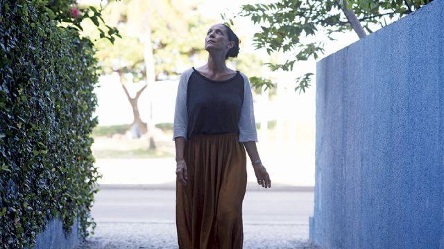 Aquarius não é um dos filmes sobre câncer de mama propriamente, mas uma produção que traz a doença em segundo plano